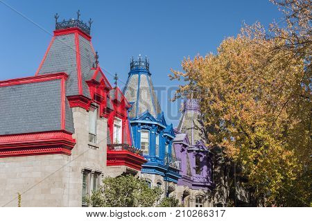 Montreal, Ca - 21 October 2017: Victorian Colorful Houses In Square Saint Louis In Fall
