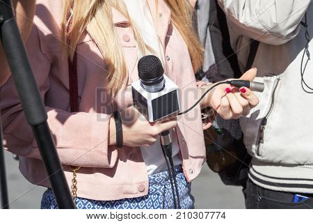 Media interview. Reporter or journalist. Press or news conference. Journalism.