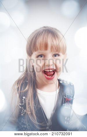 screaming 4  year-old girl. closeup