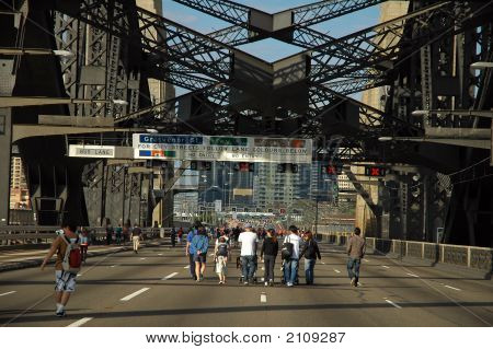 Walking Harbour Bridge