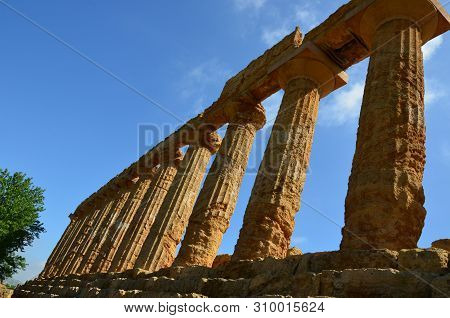Ancient Greek Temple Of Juno Valley Of The Temple, Agrigento