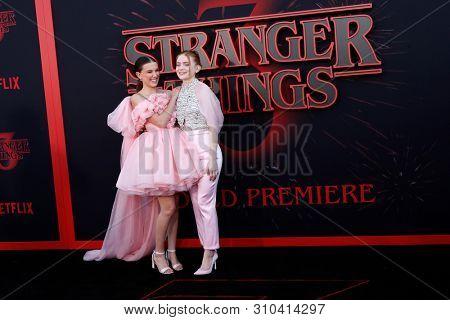 LOS ANGELES - JUN 28:  Millie Bobby Brown, Sadie Sink at the