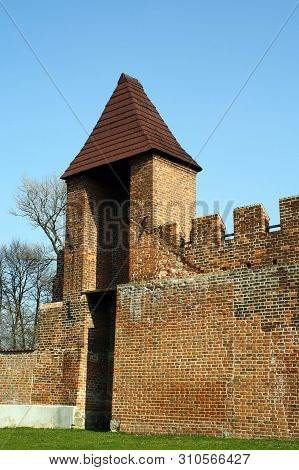 Part Of Medieval Town Fortification With Battlements And Watch Tower, Nymburk, Czech Republic