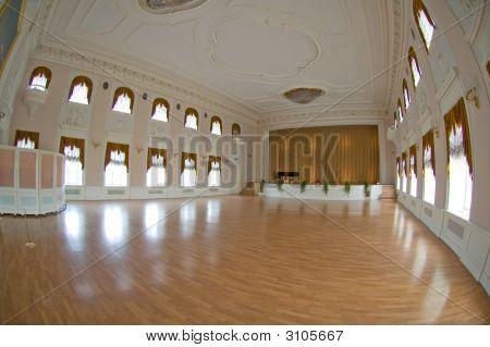 Ballroom In Peterhof