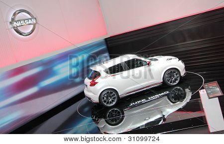 White Nissan Juke Nismo