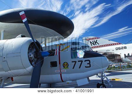 Grumman E-1B Tracer At Interpid Museum