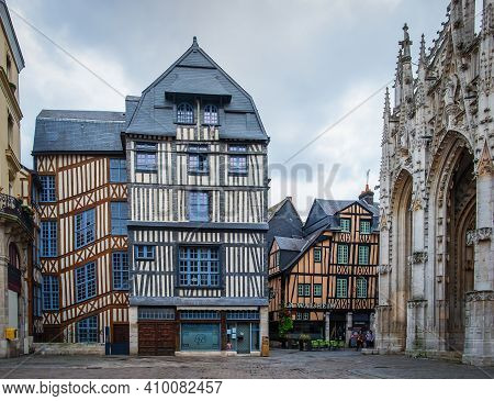 Rouen, France, Oct 2020, View Of Some Medieval Half-timbered Houses At Barthélémy Square A  Cobblest