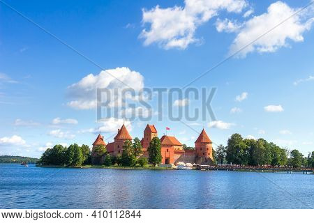 Trakai Castle In Lithuania On A Bright Clear Sunny Day. Ancient Castle Near Vilnius Around Blue Lake