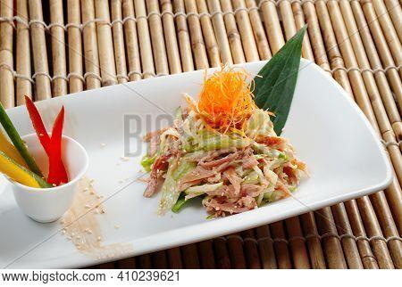 Diced Chicken With Green Pepper - La Zi Lī Dīng , Zhejiang Cuisine