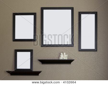 Marco negro y estantes Collage