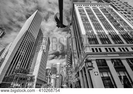San Francisco, Ca - Oct 2, 2011: Bank Of America And Hobart Building At Market Street In San Francis