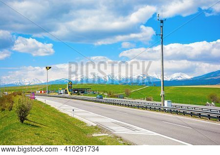 Strba, Slovakia - 01 May 2019: Slovnaft Gas Station On A Freeway. Sunny Scenery With Green Meadows B