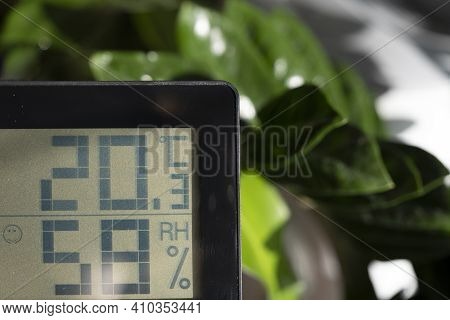 Healthy Home. Thermometer And Hygrometer. Air Humidity Measurement. Optimum Humidity At Home