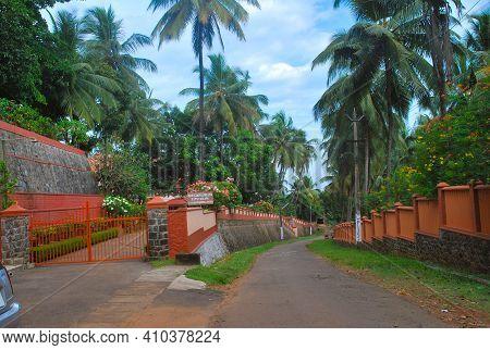 Closeup Of Beautiful Narayanashrama Tapovanam Ashram Building Located At Venginissery Village, Triss