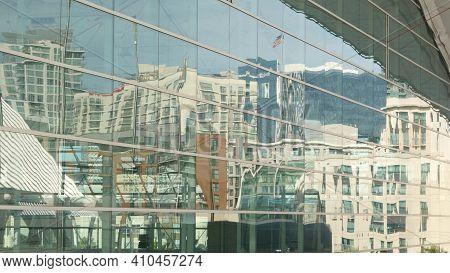 San Diego, California Usa - 13 Feb 2020: Contemporary Convention Center Building, Reflection Of Urba
