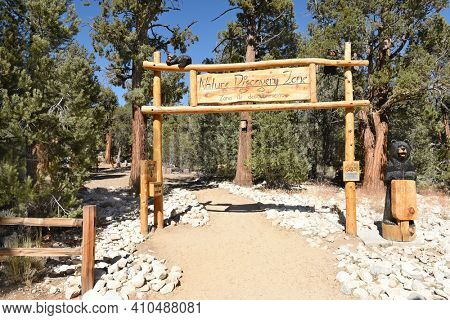 FAWNSKIN, CALIFORNIA - SEPTEMBER 25, 2016: Nature Discover Zone. Outdoor education area at the Big Bear Discovery Center, at Big Bear Lake, California.