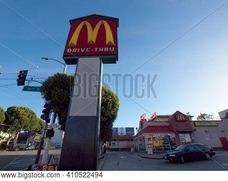 San Francisco - January 31, 2011: Mcdonalds Eatery And Drive-thru At 16th Street And Potrero.