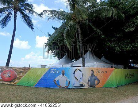 Waikiki - January 30, 2016: Team Rice Vs. Team Irvin Sign At Pro Bowl Beach On Queens Beach.