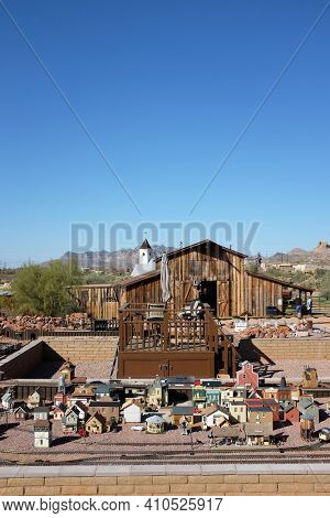 APACHE JUNCTION, ARIZONA - DECEMBER 8, 2016: Model Railroad at the Superstition Mountain Museum on Route 88 in Apache Junction, Arizona.