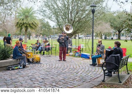 New Orleans, La - February 21: Band Plays Klezmer Music In Palmer Park On February 21, 2021 In New O
