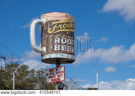 New Orleans, La - February 26: Ted's Frostop Root Beer Sign At The Landmark Drive-in Restaurant On F