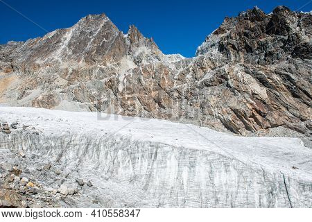 The Chola Glacier Nearly The Summit Of Cho La Pass (5,420 Metres) One Of The Popular Tourist Attract