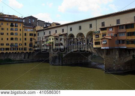 Firenze, Italy - April 21, 2017: Ponte Vecchio And Arno River, Florence, Firenze, Tuscany, Italy
