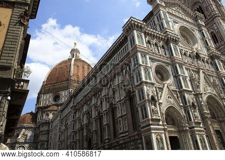 Firenze, Italy - April 21, 2017: The Duomo With Brunelleschi Cupola In Florence, Firenze, Tuscany, I