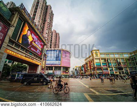 Guangzhou/china-26 Aug 2019:unacquainted People Walking On Shangxiajiu Walking Street At Guangzhou C