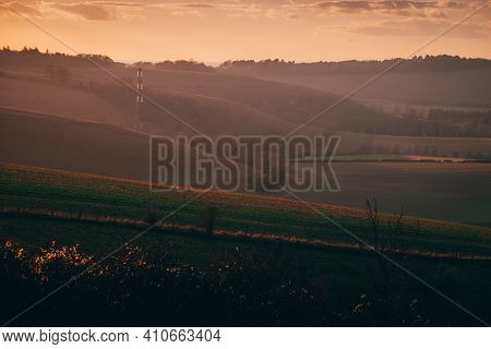 Beautiful Hampshire Countryside During A Sunset In Winter. Hills In The Hampshire Countryside During
