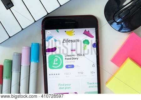 New York, Usa - 2 March 2021: Lifesum - Diet And Food Diary Mobile App Icon On Phone Screen, Illustr