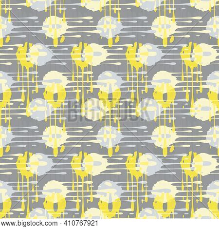 Abstract Paint Drip Weave Effect Grid Seamless Vector Pattern Background. Overlapping Yellow Grey Co
