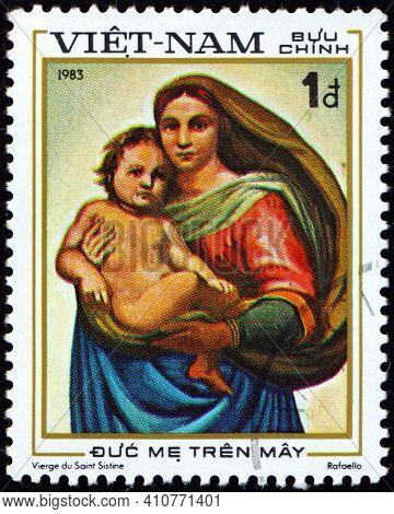 Vietnam - Circa 1983: A Stamp Printed In Vietnam Shows Sistine Madonna, Painting By Raphael, Circa 1