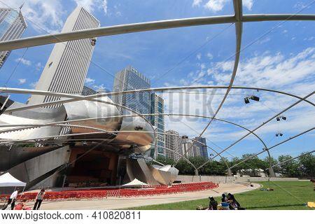 Chicago, Usa - June 27, 2013: Jay Pritzker Pavilion In Millennium Park In Chicago. Jay Pritzker Pavi