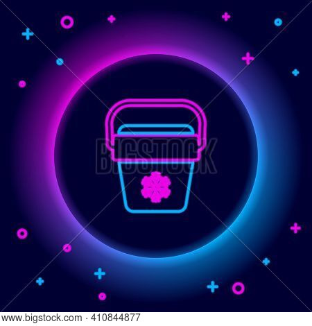Glowing Neon Line Cooler Bag Icon Isolated On Black Background. Portable Freezer Bag. Handheld Refri