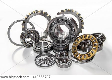 A Set Of Big And Small Stainless Balls And Various Ball Bearings And Roller Bearings