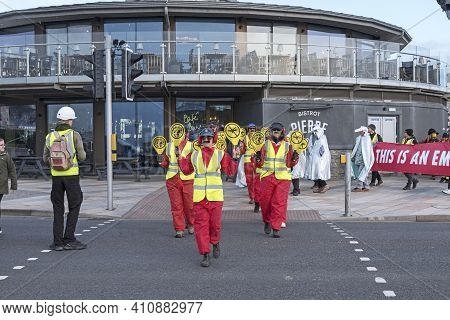 Weston-super-mare, Uk - February 8, 2020: Demonstrators Protest Against The Planned Expansion Of Bri