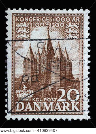 ZAGREB, CROATIA - SEPTEMBER 04, 2014: Stamp printed in Denmark shows Church of Kalundborg, Series 1000 years of Danish Kingdom, circa 1953