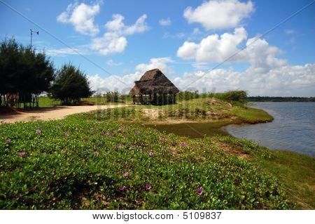 Strand mit einer Hütte