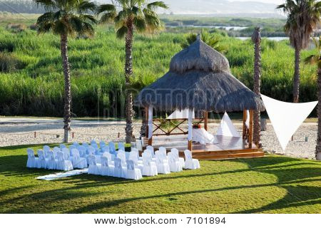 A Wedding Setting In A Vacation Resort In Los Cabos