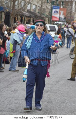 Juggling In The Parade