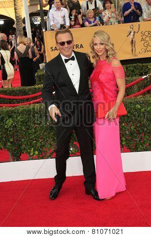 LOS ANGELES - JAN 25:  Kevin Costner, Christine Baumgartner at the 2015 Screen Actor Guild Awards at the Shrine Auditorium on January 25, 2015 in Los Angeles, CA