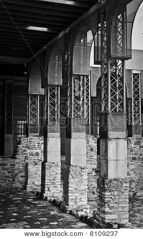 Steel Structure B&W