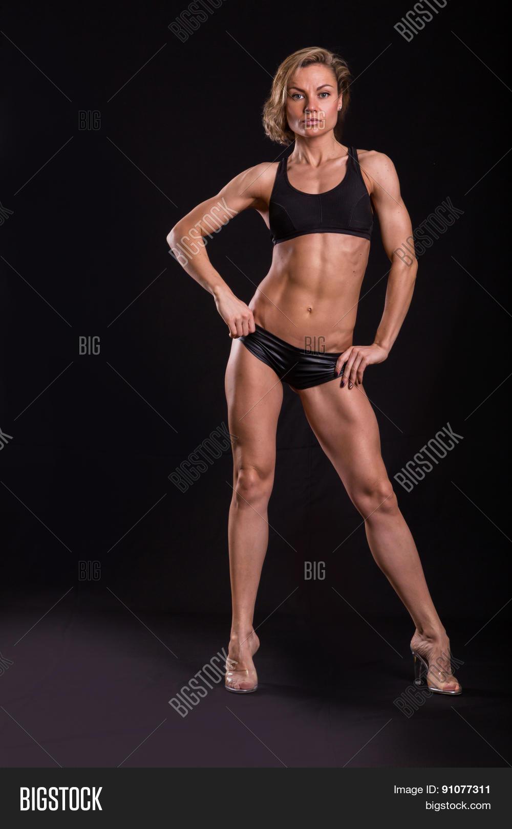 sexy-athletische-kueken-vorabend-diva-nackt