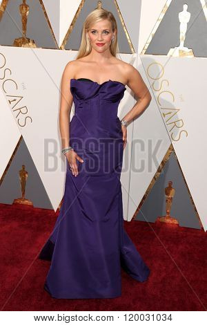 LOS ANGELES - FEB 28:  Reese Witherspoon at the 88th Annual Academy Awards - Arrivals at the Dolby Theater on February 28, 2016 in Los Angeles, CA