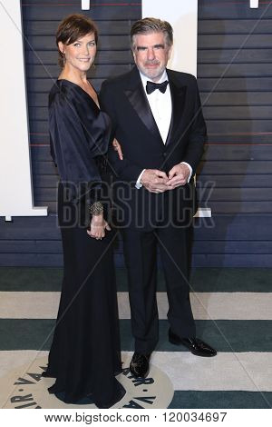 BEVERLY HILLS - FEB 28: Carey Lowell, Tom Freston at the 2016 Vanity Fair Oscar Party on February 28, 2016 in Beverly Hills, California