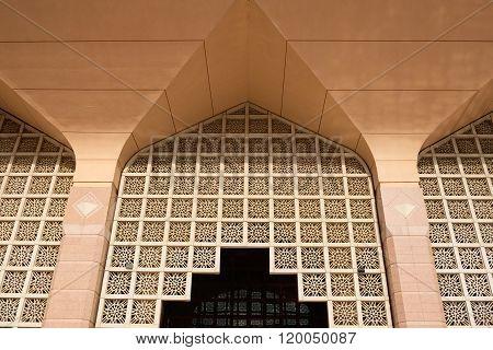 Putra Mosque (masjid Putra) Is The Principal Mosque Of Putrajaya, Malaysia.