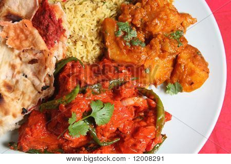 Chicken curry with rice and keema naan