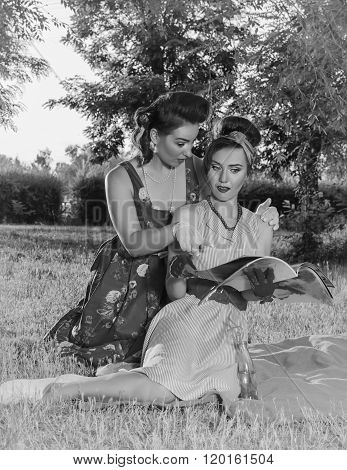 Two women fashionista