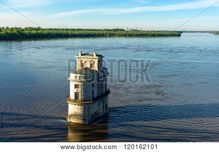 U.S.A.. Missouri. St Louis area. Route 66. the water tower on the Mississippi river seen from the Chain of Rocks bridge